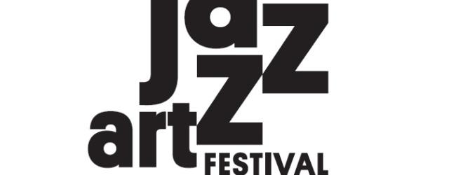 Jeśli ogień to żywioł muzyki, to w tym roku czeka nas wyjątkowo dynamiczna odsłona Katowice JazzArt Festivalu. Jak na ogniste płomienie przystało, malujemy ją w barwach… trawiastej zieleni. Przekornie i […]
